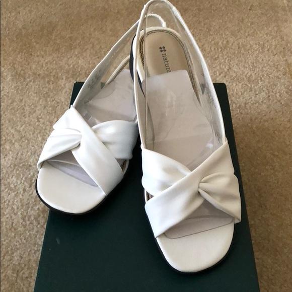 924c48b38f5e Naturalizer White Sandals 👡